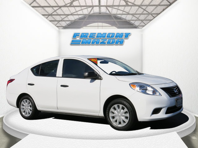 2013 NISSAN VERSA S SEDAN white 4-cyl 16 liter manual nice one owner car with low low miles co