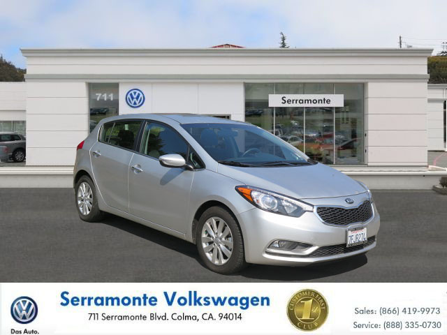 2014 KIA FORTE EX SEDAN silver 4-cyl gdi 20 liter automatic must see  well maintained  one o